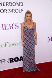 Tracy Anderson – 'Mother's Day' World Premiere in Los Angeles