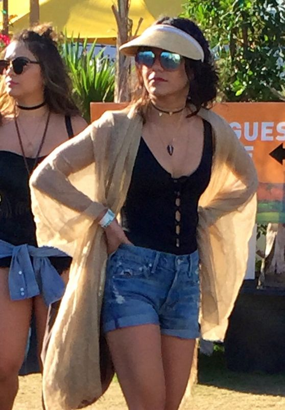 Vanessa & Stella Hudgens - Coachella Valley Music and Arts Festival Indio 4/17/2016