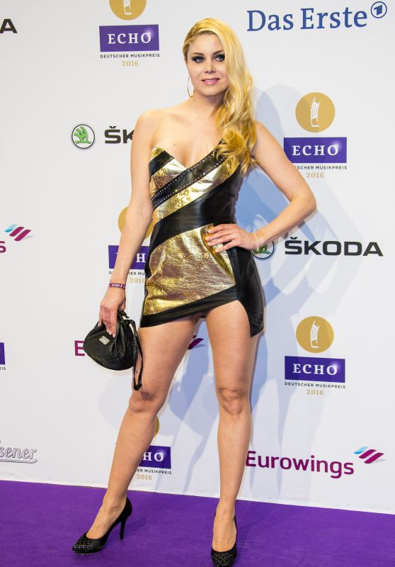 Yvonne Woelke – 2016 Echo Music Awards in Berlin, Germany