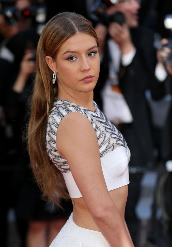 Adele Exarchopoulos The Last Face Premiere At Cannes