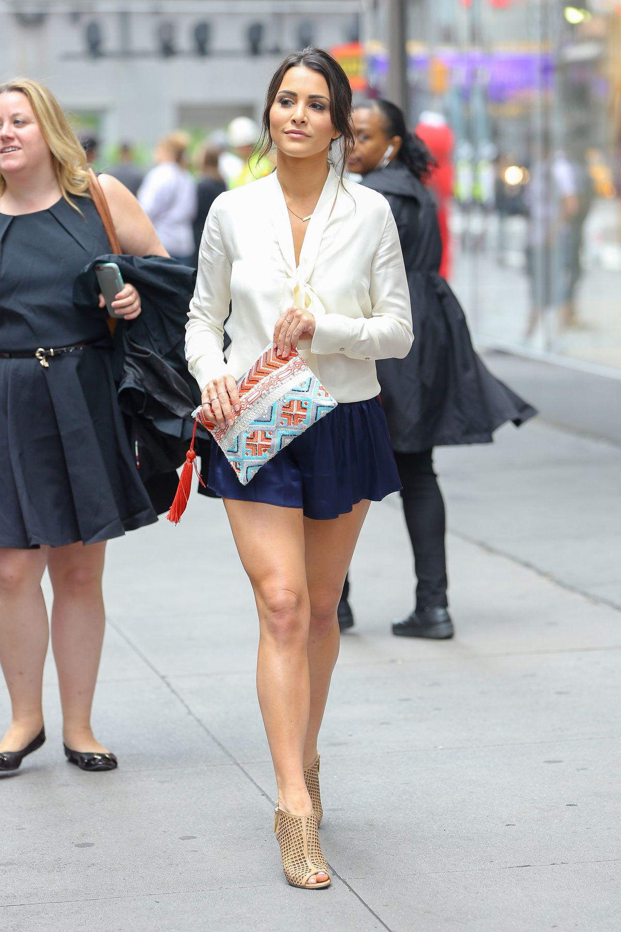 Andi Dorfman Puts On A Leggy Display In Times Square Nyc
