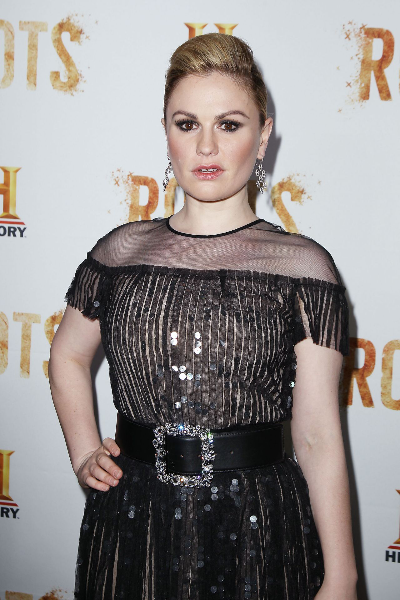 Anna Paquin – 'Roots' TV Series Premiere in New York City 5/23 ... Anna Paquin