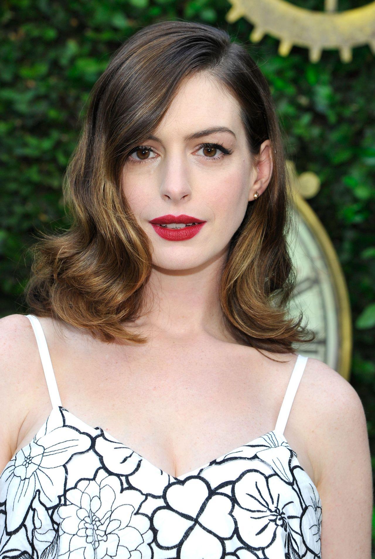 Anne Hathaway - 'Alice... Anne Hathaway