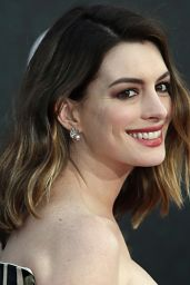 Anne Hathaway – Disney's 'Alice Through The Looking Glass' Premiere in Hollywood 5/23/2016
