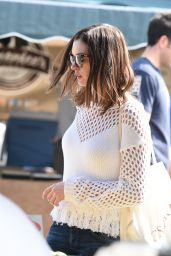 Anne Hathaway - Goes to The Farmers Market, Los Angeles 5/8/2016
