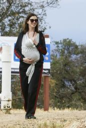 Anne Hathaway - Hiking in Los Angeles, May 2016
