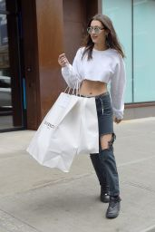 Bella Hadid in RIpped Jeans - Shopping in New York City 5/1/2016