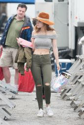 Bella Thorne Booty in Tight Jeans  -