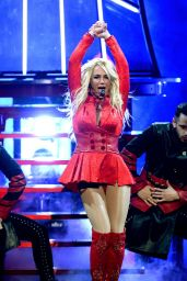 Britney Spears Performs at 2016 Billboard Music Awards in Las Vegas