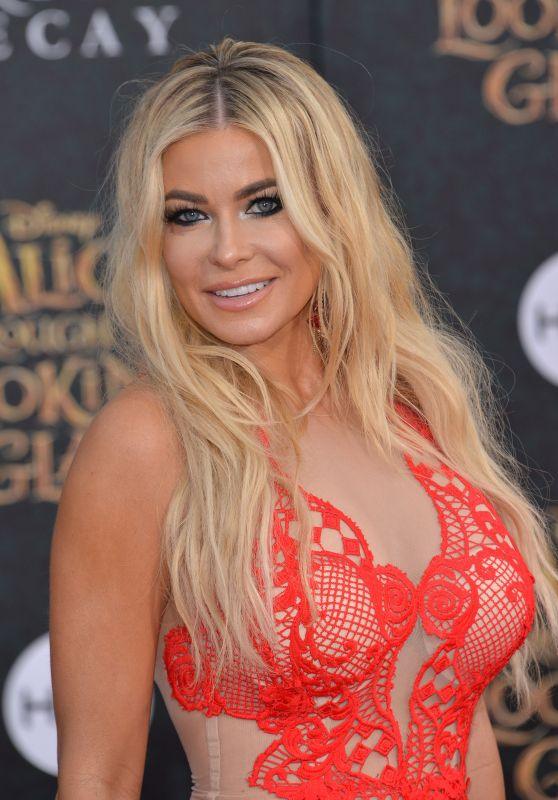 Carmen Electra - 'Alice Through The Looking Glass' Premiere at the El...