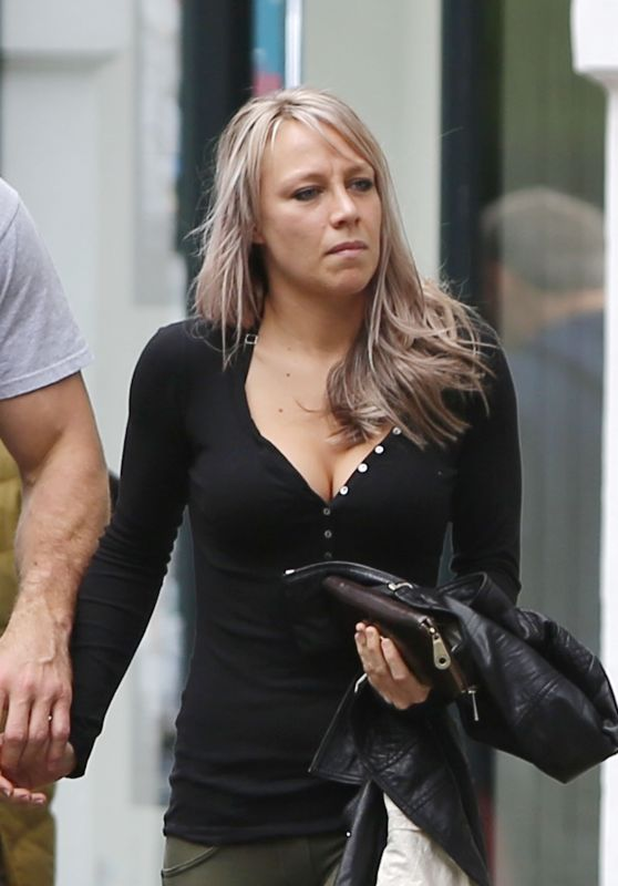 Chloe Madeley - Enjoying an Al Fresco Lunch in North London 5/2/2016