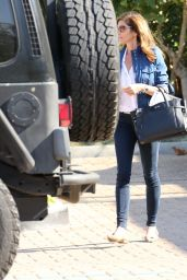 Cindy Crawford - Follows Ducklings Family in Malibu 5/24/2016
