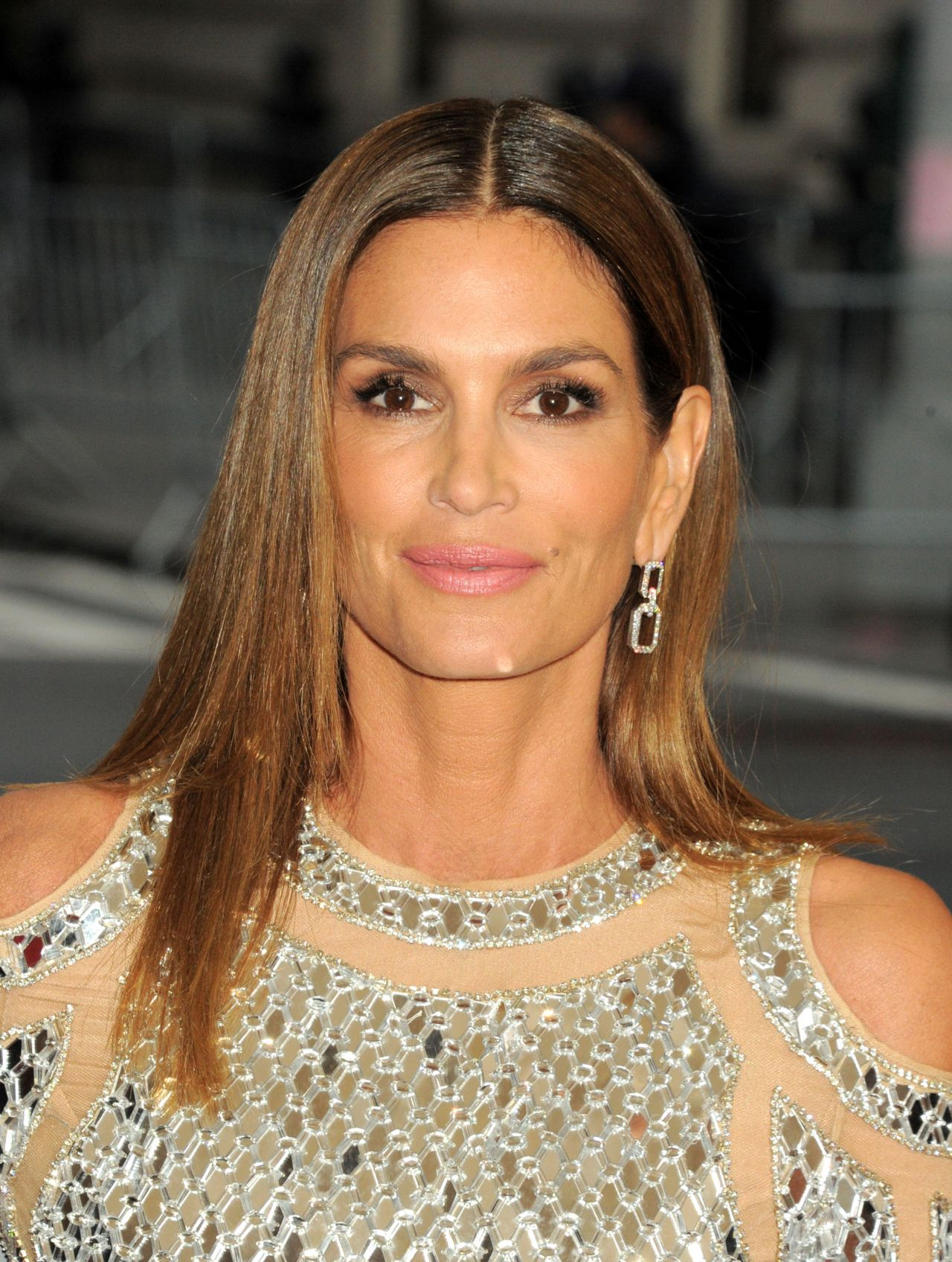 How tall is cindy crawford-1184