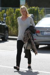 Claire Danes - Out in Beverly Hills 5/19/2016
