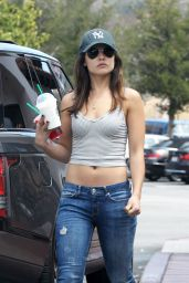 Danielle Campbell Street Style - At Starbucks in Los Angeles, May 2016