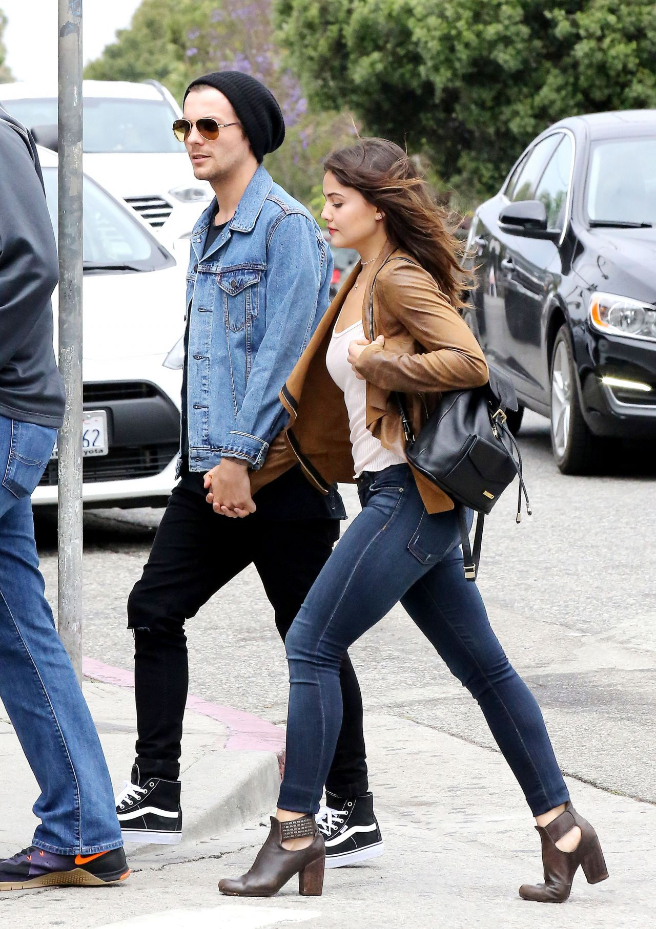 Danielle Campbell Urban Style Out In Venice Ca 5 10 2016