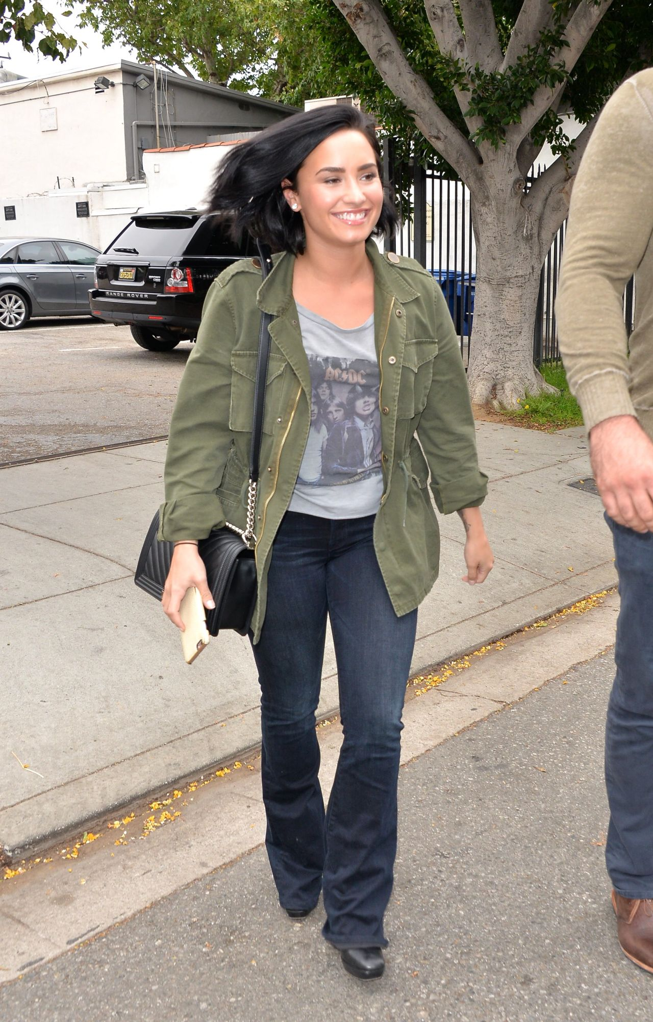 Demi Lovato Street Style Heading To The Office In West Hollywood 5 18 2016