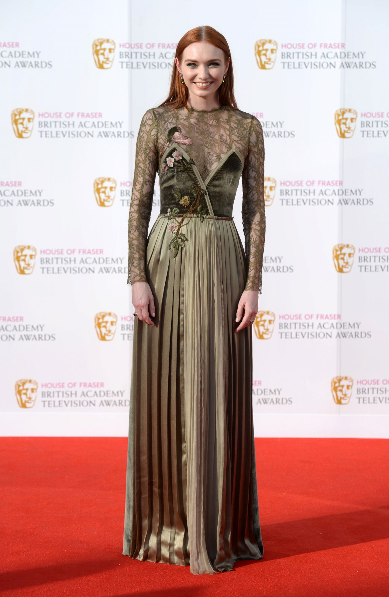 http://celebmafia.com/wp-content/uploads/2016/05/eleanor-tomlinson-british-academy-television-awards-baftas-2016-in-london-14.jpg