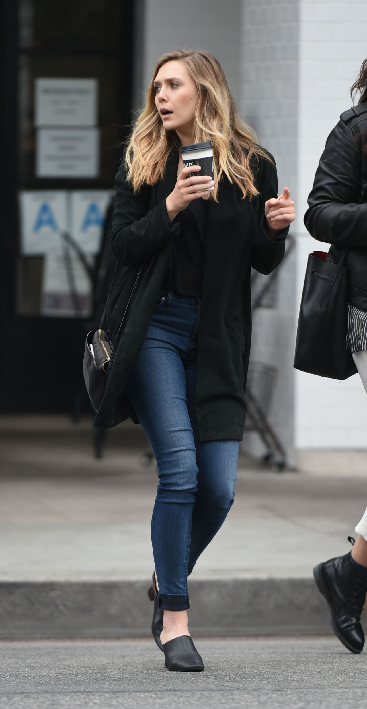 Elizabeth Olsen Casual Style Out In Los Angeles 5 19 2016