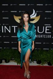 Emily Ratajkowski at Intrique in Las Vegas 5/28/2016