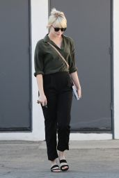 Emma Stone Leaves a in Weho 5/24/2016