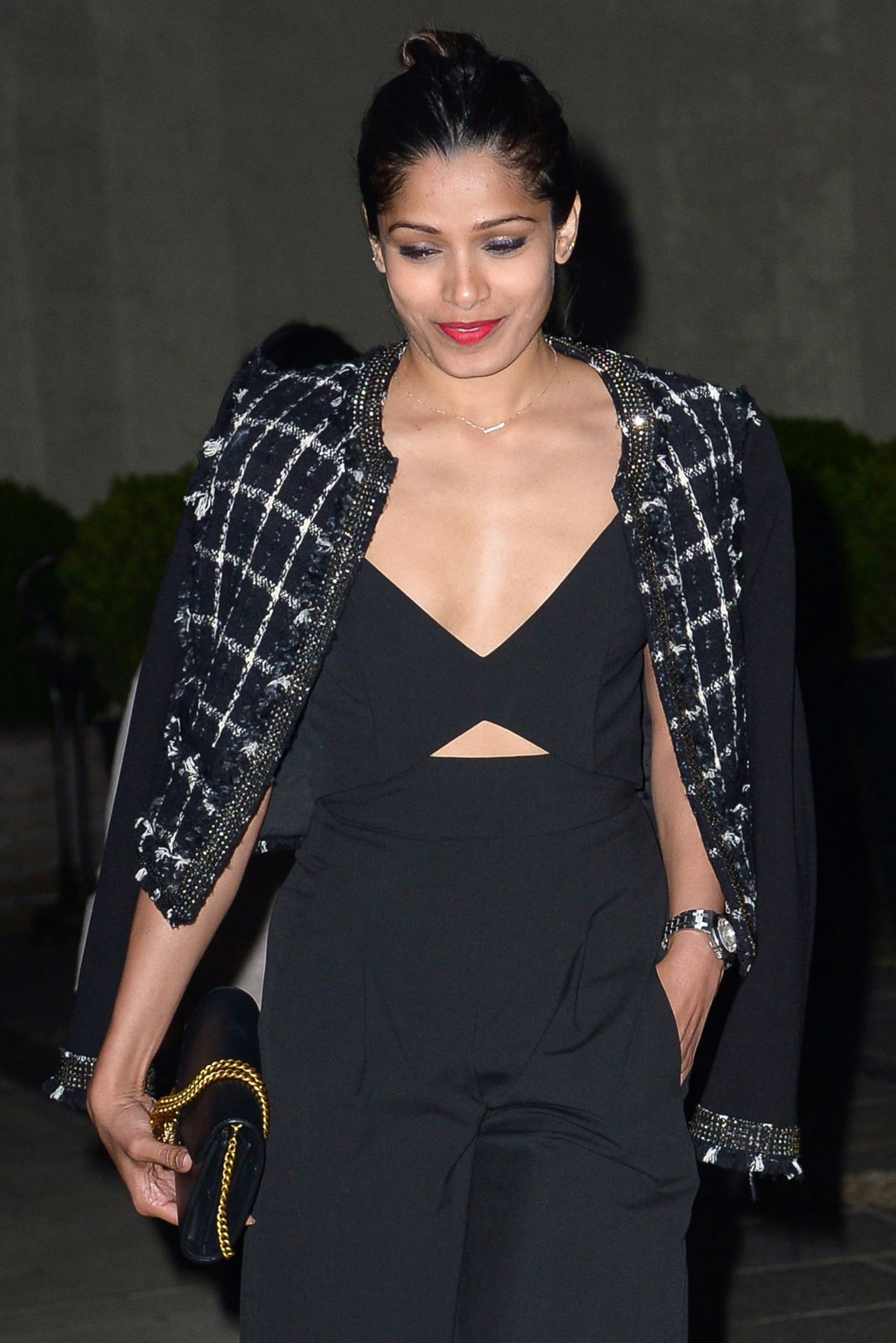 Freida Pinto Looking E...