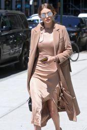 Gigi Hadid Chic Outfit - New York City 5/9/2016