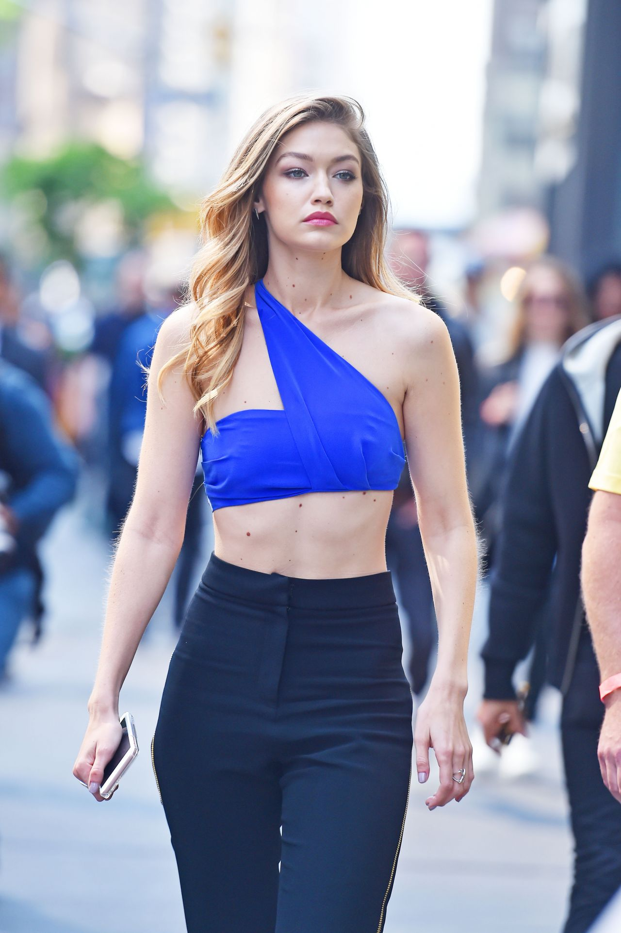 Gigi Hadid Best Beauty Trends: Maybelline Photoshoot Set In New York City 5
