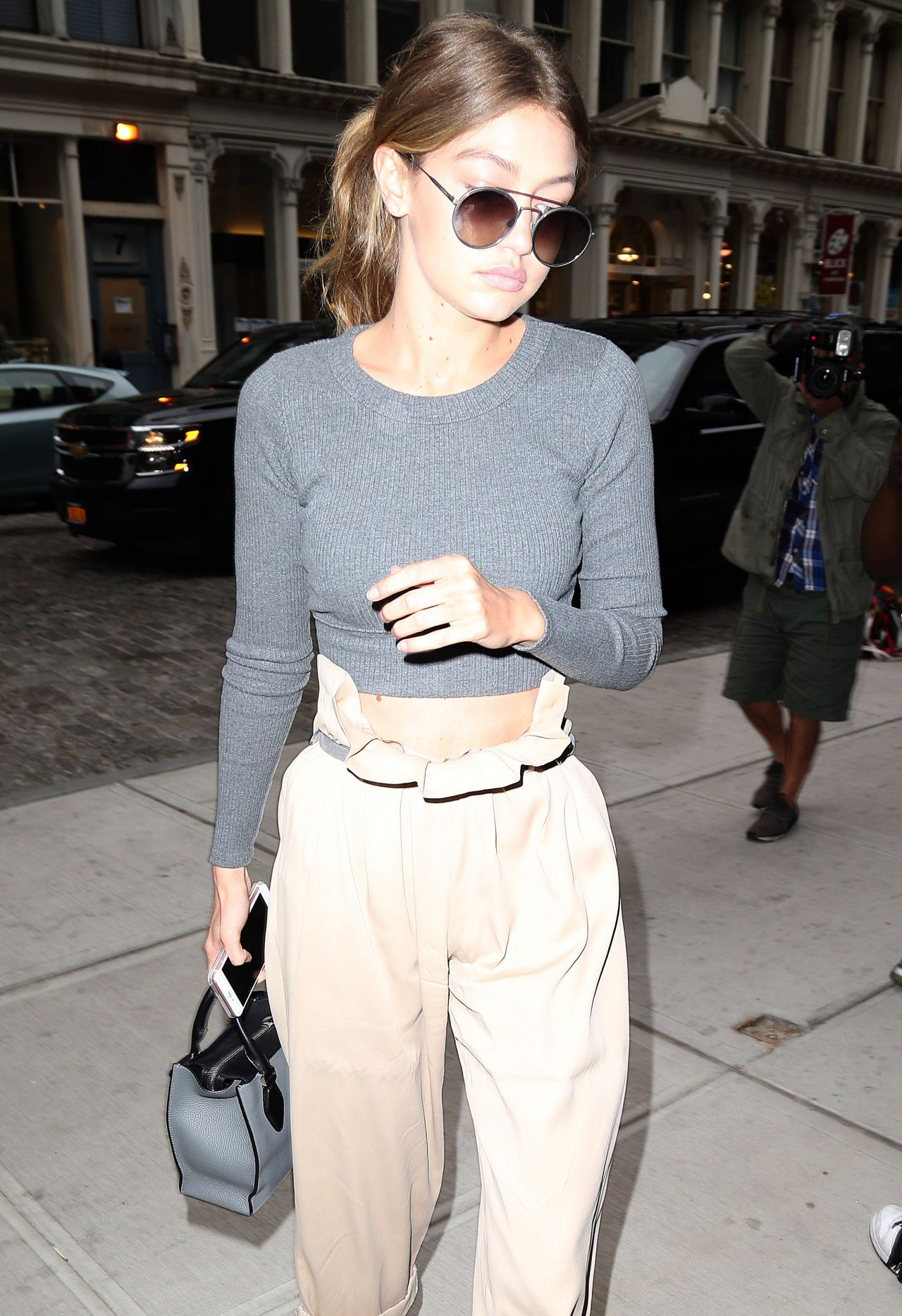 Gigi Hadid Outfit Ideas , Shopping at