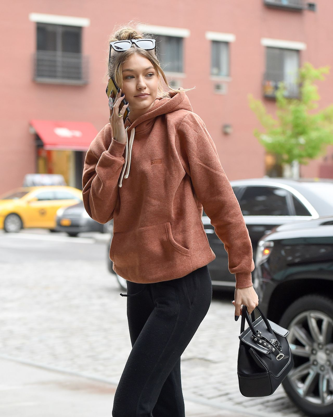Gigi Hadid Street Style Out In New York City 5 6 2016