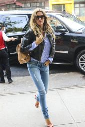 Gisele Bundchen in Tight Jeans - Leaving Her Apartment in New York 4/30/2016