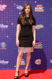 Hailee Steinfeld - 2016 Radio Disney Music Awards in Los Angeles