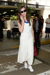 Hailee Steinfeld at Airport in Miami, FL 5/20/2016