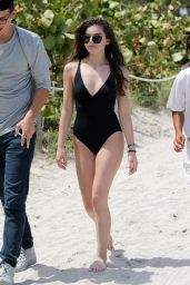 Hailee Steinfeld Hot in Swimsuit - Beach in Miami 5/22/2016