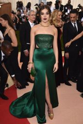 Hailee Steinfeld – Met Costume Institute Gala 2016 in New York