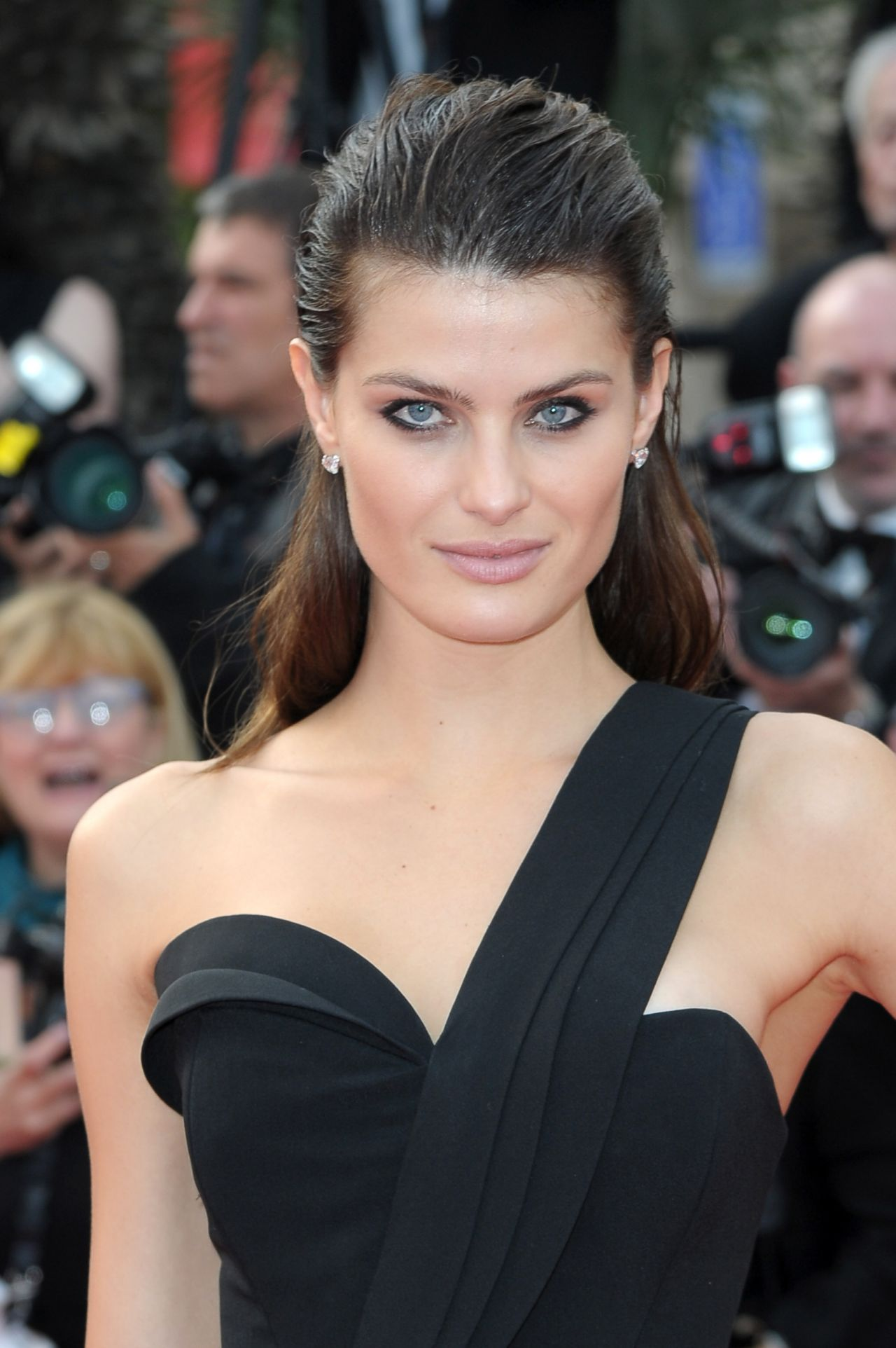 Isabeli Fontana – 'The Unknown Girl (La Fille Inconnue ...
