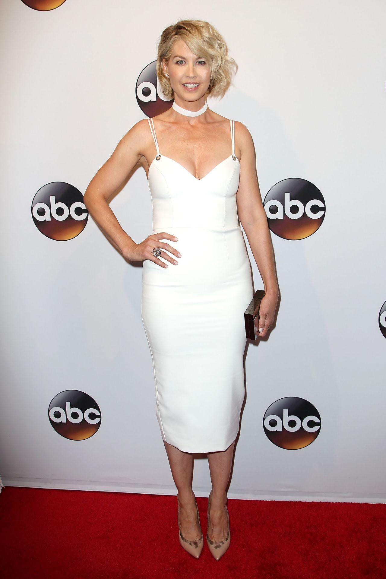 Jenna Elfman Abc Upfronts David Geffen Hall New York