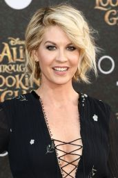 Jenna Elfman – 'Alice Through The Looking Glass' Premiere in Hollywood 5/23/2016