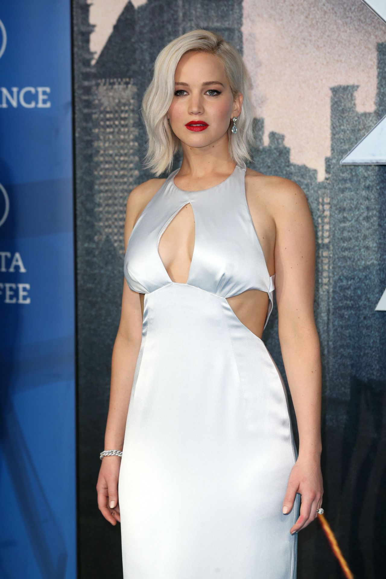 Jennifer Lawrence X Men Apocalypse Premiere In London