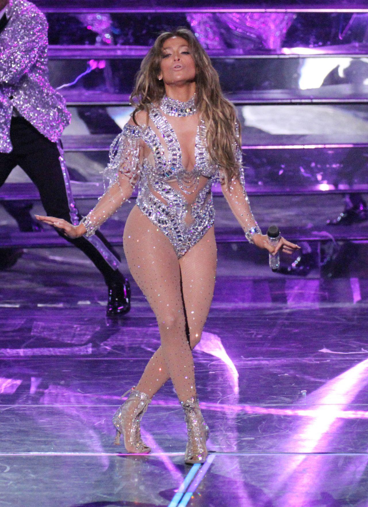 Jennifer Lopez Perform... Jennifer Lopez Concert 2019