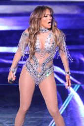 Jennifer Lopez Performs at