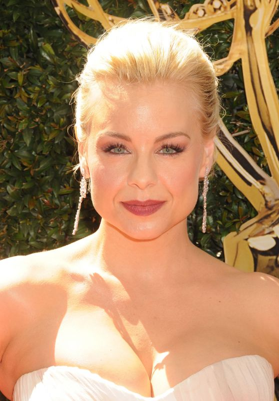 Jessica Collins – 2016 Daytime Emmy Awards in Los Angeles