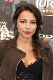 Jessica Parker Kennedy – 'Teenage Mutant Ninja Turtles: Out of the Shadows' Premiere in New York City 5/22/2016