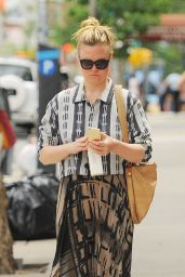 Julia Stiles Casual Style - Out Strolling The Streets of NYC 5/30/2016