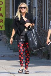 Kaley Cuoco at a Yoga Class in Sherman Oaks 5/16/2016