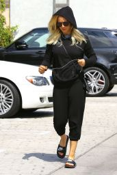 Kaley Cuoco Street Style  - Out in Los Angeles 5/15/2016