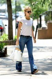 Karlie Kloss Casual Style - Out in NYC 5/26/2016