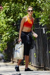 Karlie Kloss in Leggings - Out in New York City 5/23/2016