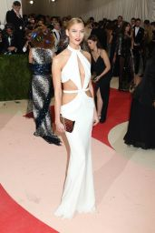 Karlie Kloss – Met Costume Institute Gala 2016 in New York