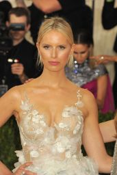 Karolina Kurkova – Met Costume Institute Gala 2016 in New York